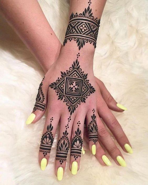 Beautiful Check Back Hand Mehndi Design