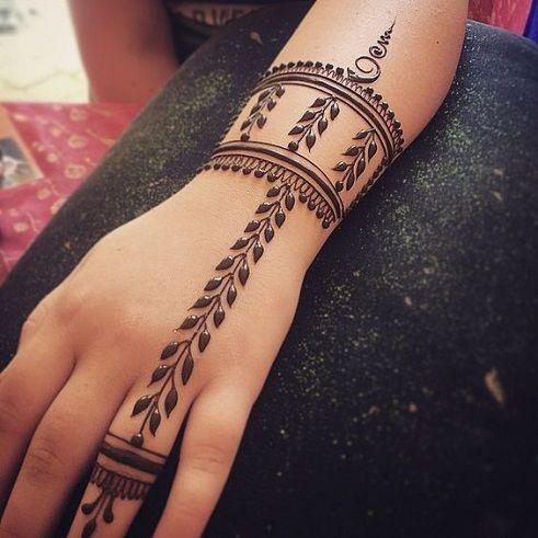 Bracelet and Leaf Shaped Simple  Mehndi Design