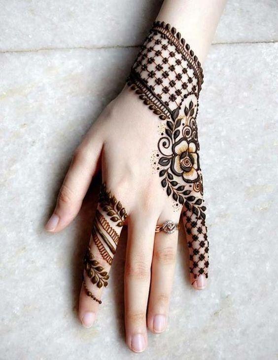 Full Hand Gulf-Arabic Mehndi Design With Leaf Checks and flowers