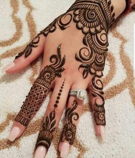 Simple Back Hand Arabic Mehndi Design