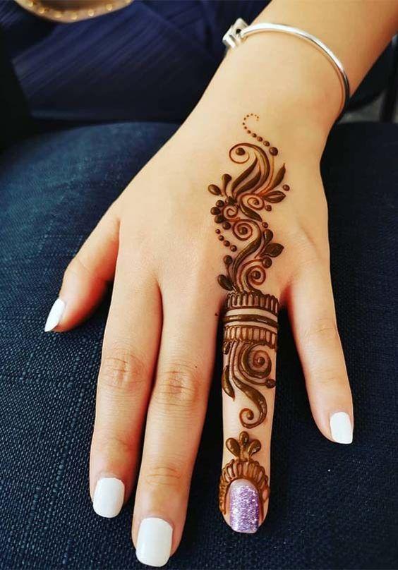 Single finger Arabic henna Design
