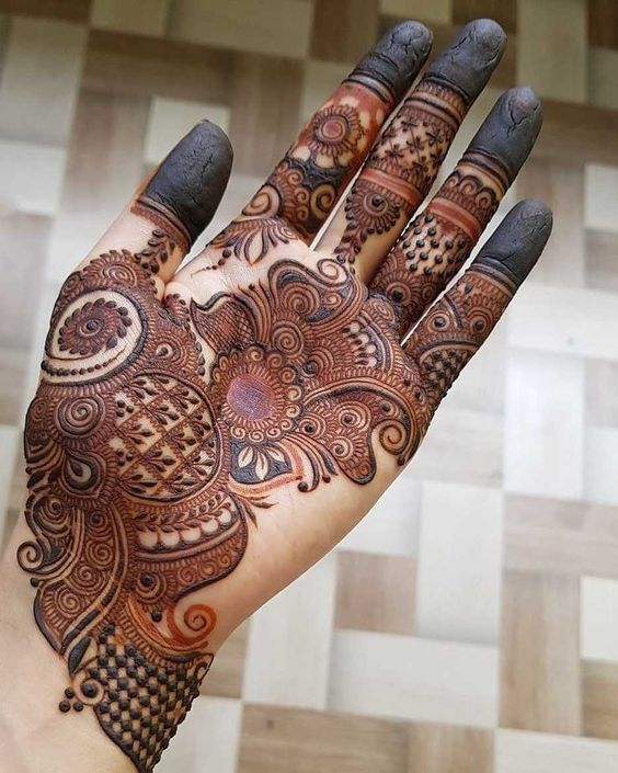 Simple Mehndi Design with Peacock Decoration