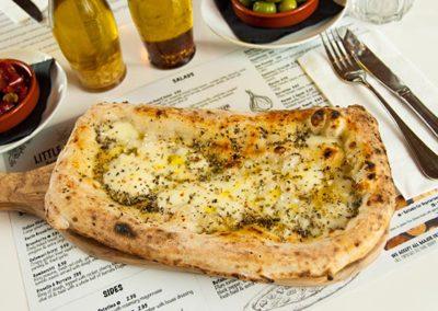 Garlic-Bread-with-Mozzarella