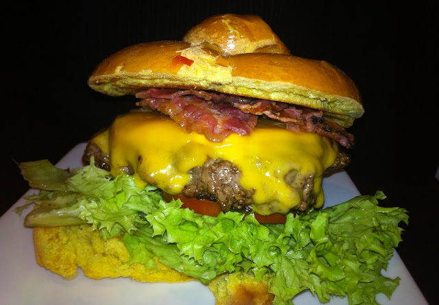 Ruby Tuesday Triple Prime With Bacon And Cheese Burger Review
