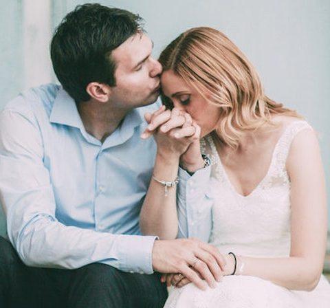 Me thoni si te sillem me gruan time me jan shfaqur probleme nga e kaluara , Kur isha i pa fejuar un kam qen ne lidhje men je vajz qe vinte nga jasht vetem per mua dhe