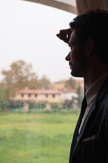 Ishim ne prag te fejeses kur e tradhetova,Pas shum lutjeve dhe vuajtjeve qe perjetova ajo me tha