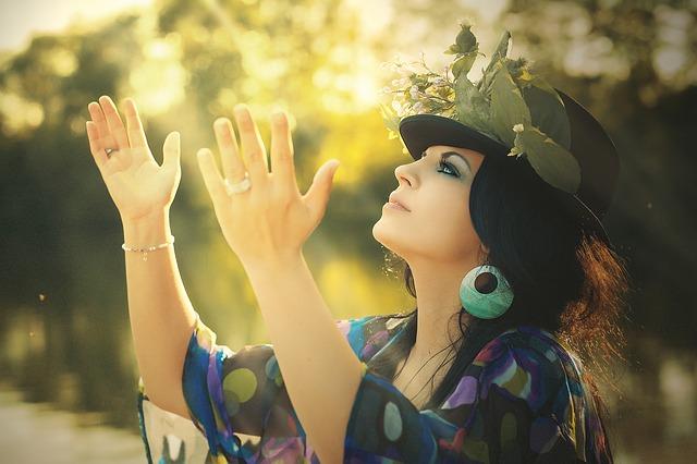 Happiness is Free: बदकिस्मती अगर पीछा नहीं छोड़ रही तो कुछ बाते अपनाएं और बदल डालें अपनी ज़िंदगी !