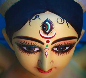 Religion & Faith: नवरात्रि का अर्थ केवल व्रत, जप, आराधना ही नहीं है, इन नौ पवित्र रात्रियों में मनुष्य इन तीन गुणों पर जीत हासिल कर सकता है ?