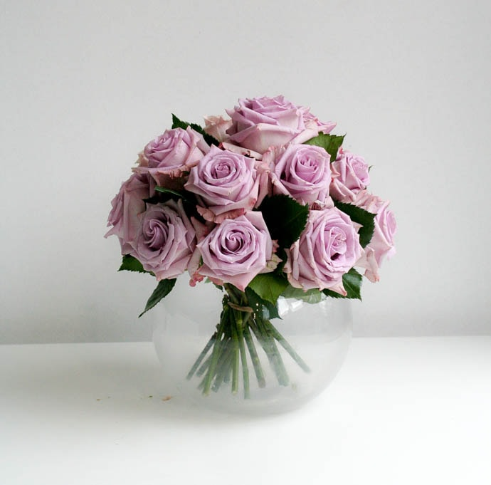 Spring wedding Classic Rose Dome in cool tone palette