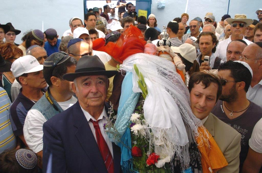מדור לדור - יוסף עבו עברון הדור החמישי ורפי עבו הדור השישי, 2012