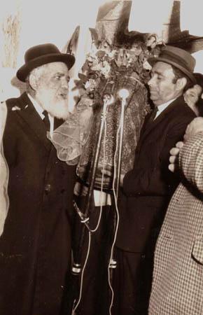 הרב רפאל עבו ויוסף עבו עברון, 1972