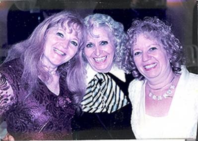 צופיה, ז'ולי וגלילה, בנותיהן של פסח ומרגלית בן אורי לבית עבו