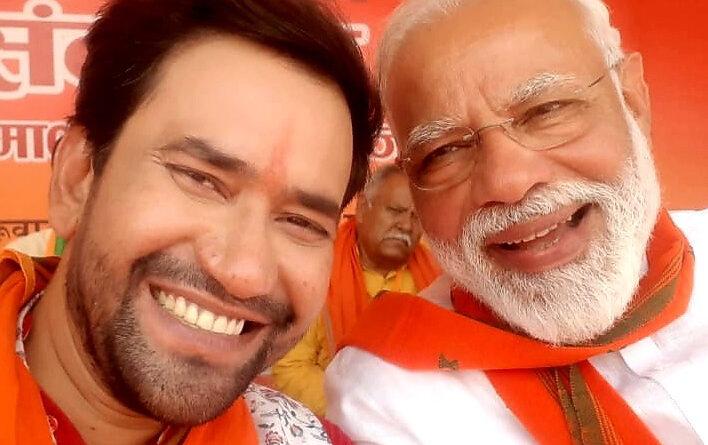 निरहुआ से CM योगी बोले-फिल्मों में तुमने गुंडों का बहुत इलाज किया, अब चलो आजमगढ़ में गुडों का इलाज करो