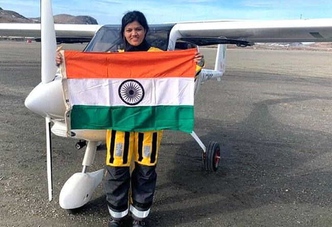 मुंबई की आरोही पंडित बनीं अटलांटिक महासागर पार करने वाली पहली महिला पायलट