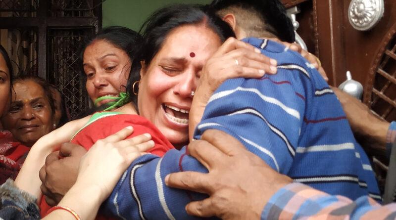 दिल्ली हिंसा: परिवार की मदद करने आ रहे थे इंटेलिजेंस ब्यूरो के हेड कॉन्स्टेबल, दंगाइयों की पत्थरबाजी में मौत!