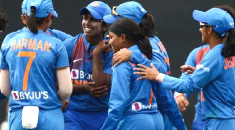 महिला टी-20 वर्ल्ड कप में अपने पहले मुकाबले में भारत ने ऑस्ट्रेलिया को 15 रनों से हराया