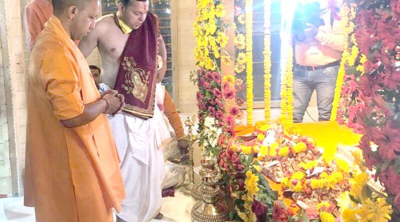 अयोध्या: अस्थायी मंदिर में शिफ्ट हुए रामलला
