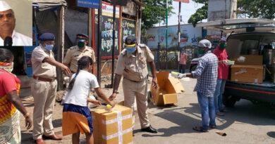 मुंबई में फिर शुरू हुआ 'रोटी बैंक' सैकड़ों बेघर लोगों तक रोजाना मुफ्त खाना पहुंचा रहे डिब्बावाले