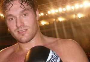 Frank Warren Dictates Fury  Even split Against Joshua