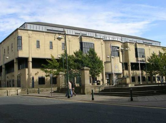 Bradford Court Escape Of Sentenced Mobile Thief Caught On CCTV