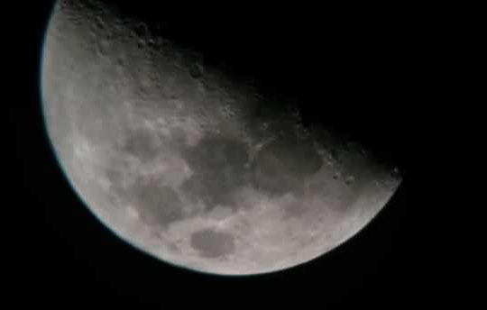 Amateur Astronomer Captures Ufos In Front Of Moon