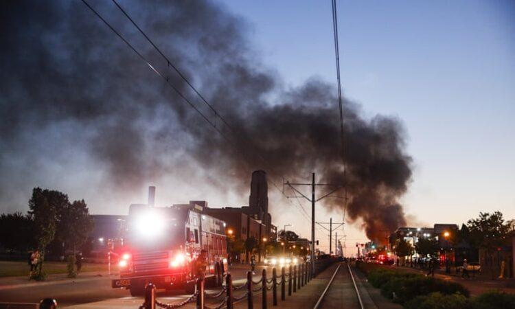 U.S Demonstrators Set Fire To Police Station Over Floyd Killing