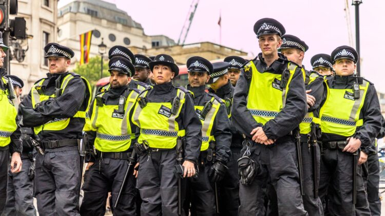 Uk Police To Be Given New Stop And Search Powers Against Knife Criminals