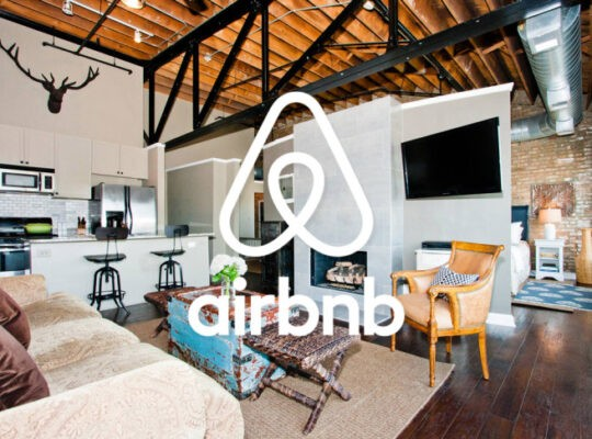 Revellers Angry at New Year's Eve Ban Against Those Without Reviews For Airbnb Properties