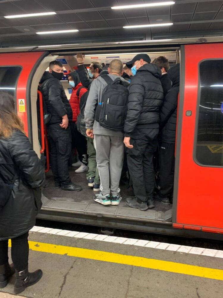 Central Line So Overpacked That Social Distancing Is Impossible