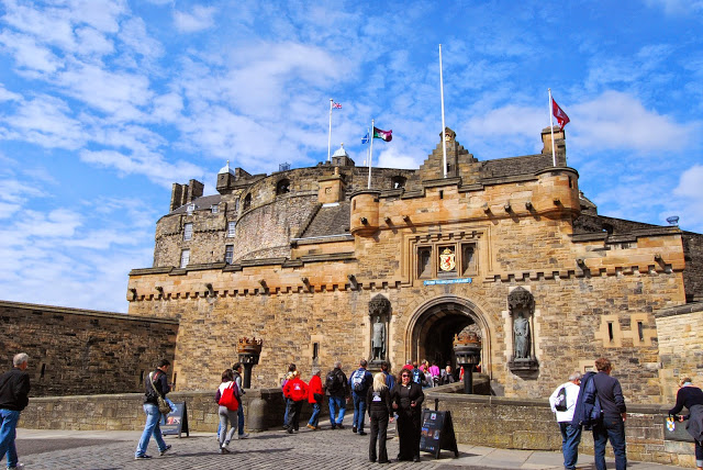 edinburgh-castle-scotland