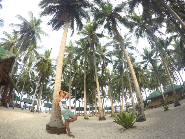 wawies beach resort maniwaya island marinduque
