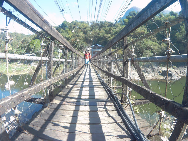 hanging bridge in montalban rizal