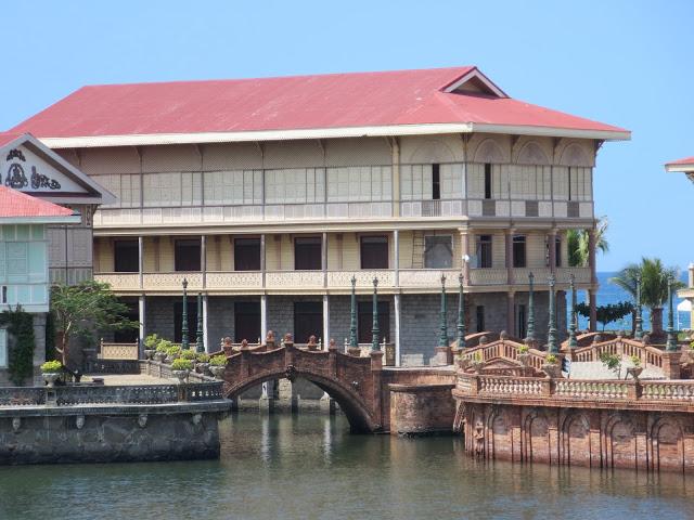 canals at las casas bataan