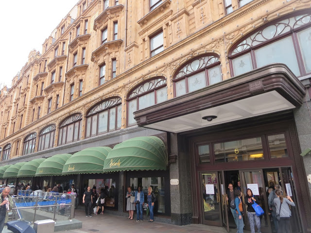 harrods shopping mall