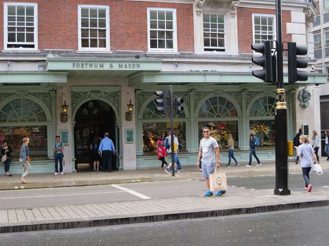 fortnum and mason shopping mall