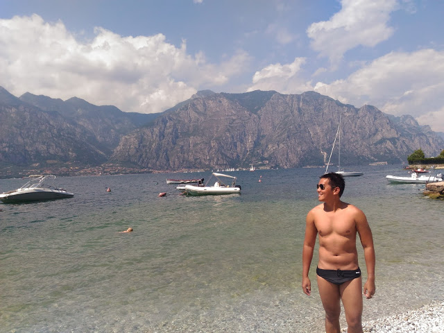 swimming lake garda italy