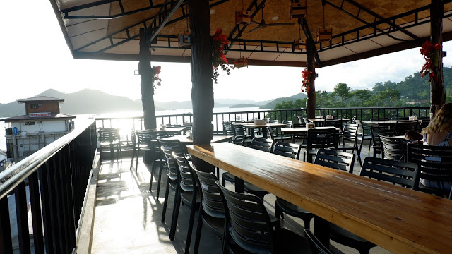 where to eat coron