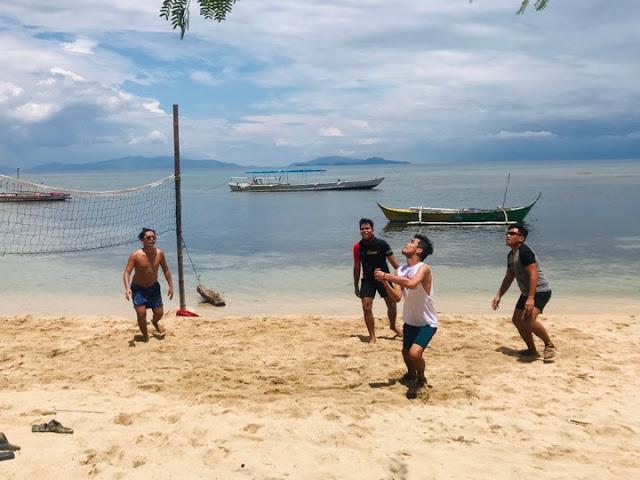 beach volleyball calatagan