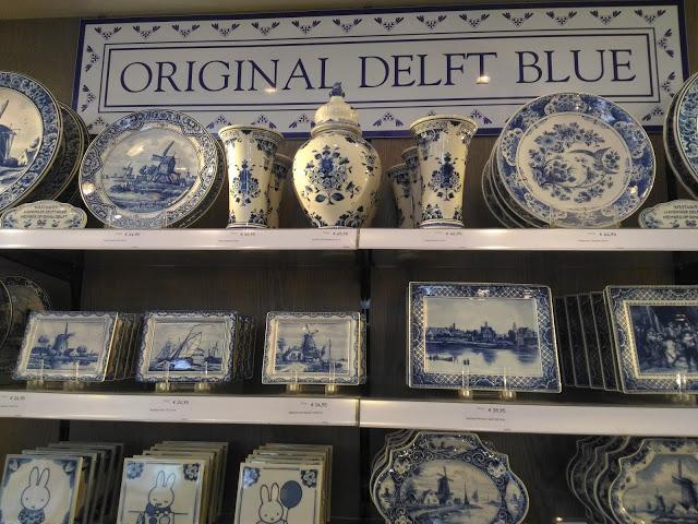 delft blue pottery amsterdam