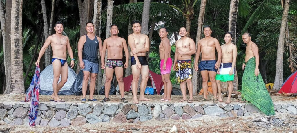 all-men-beach-camp
