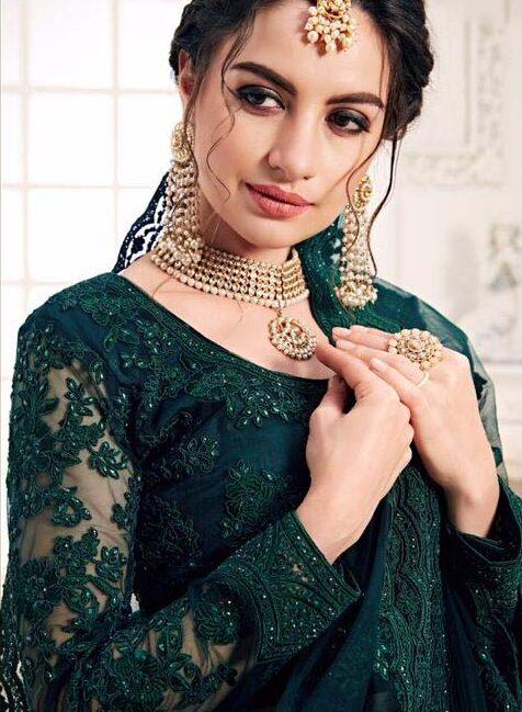 Best embroidered Bridal lehenga blouse with net dupatta