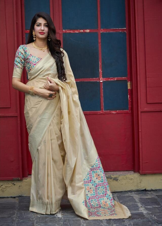 Latest Collection of Bengoli Style Saree in Cream