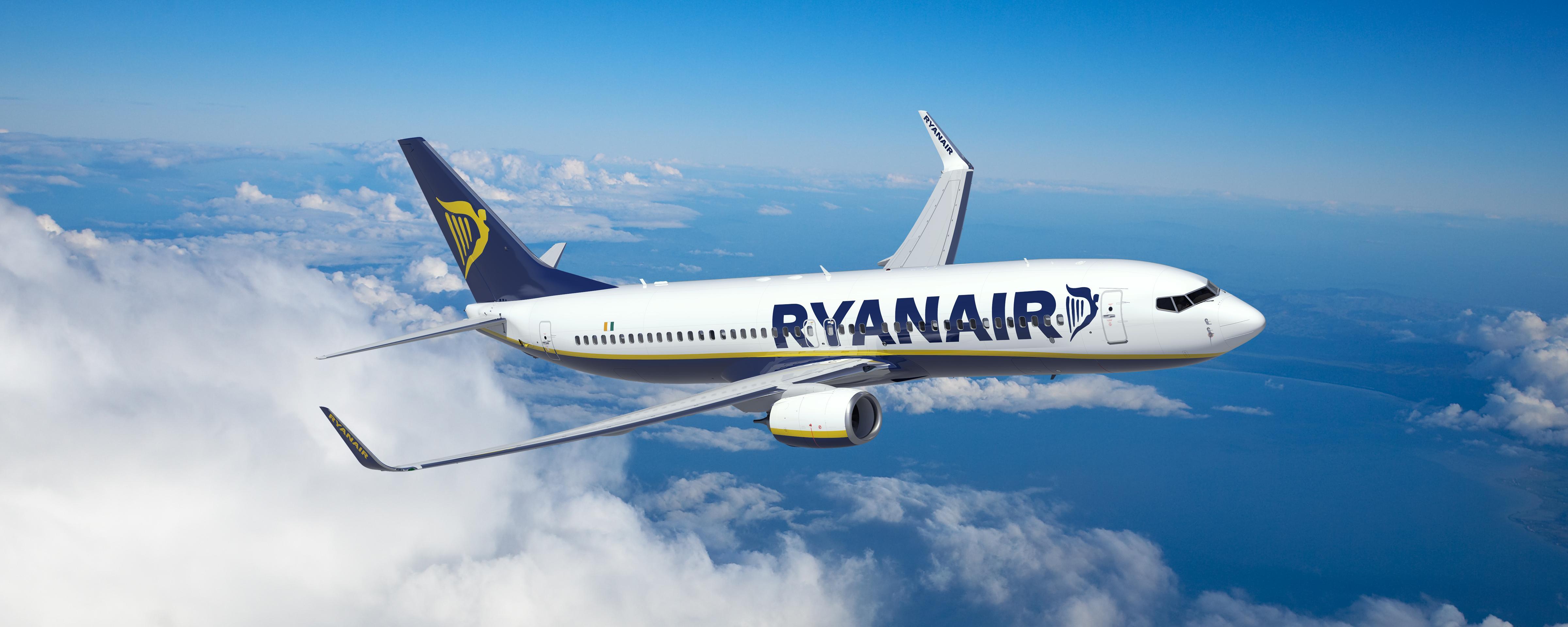 ryanair-flying