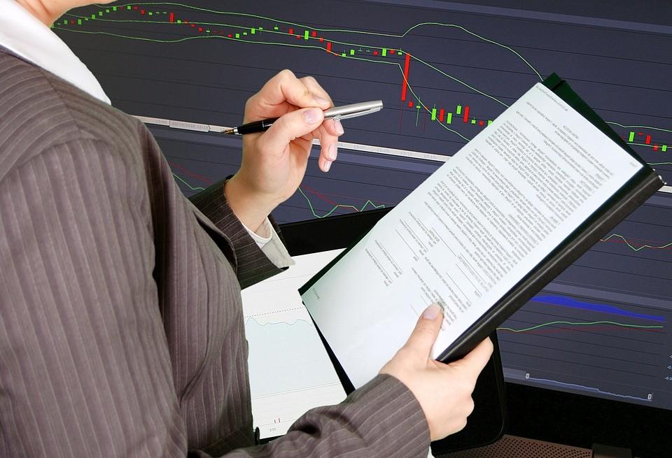 advantages financial audit
