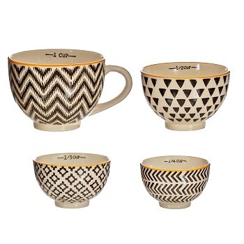 Black Geometric Measuring Cups