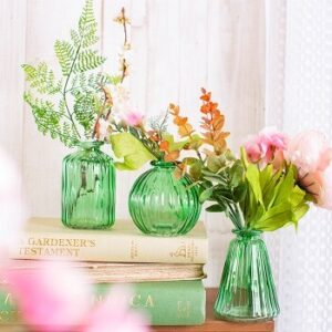 Set of 3 glass vases