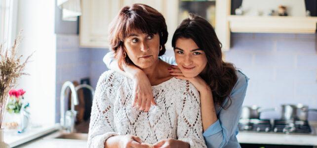 madre menopáusica hija adolescente