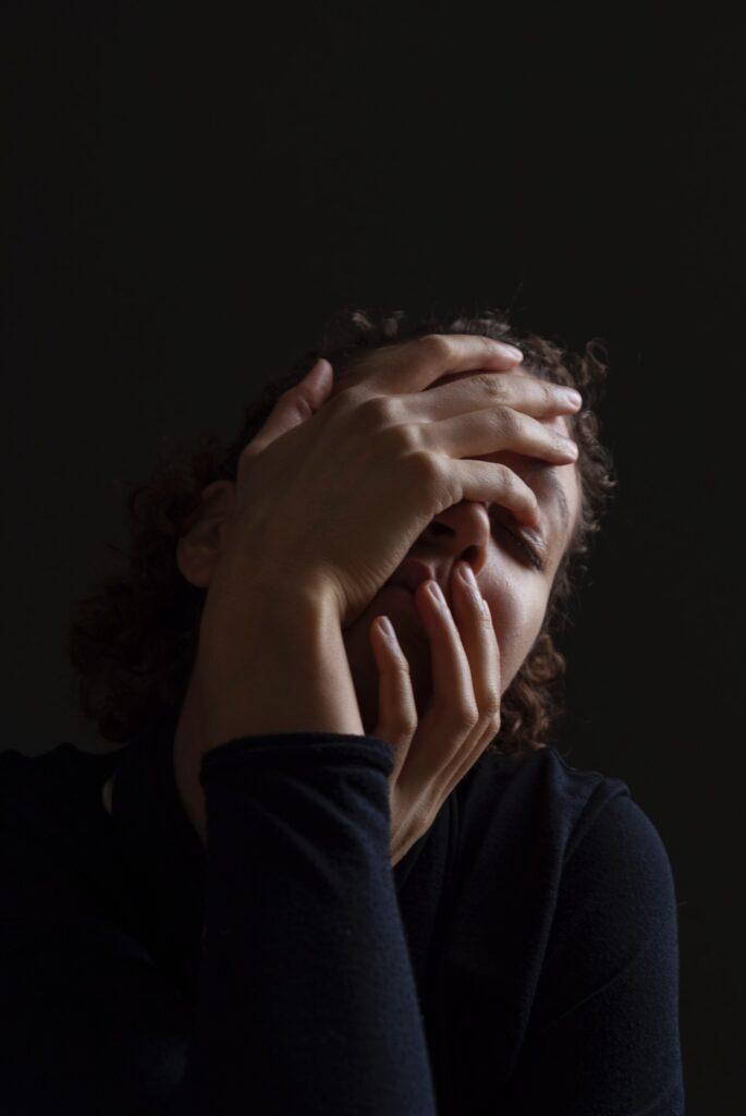 Expresar tus sentimientos para conectar mejor en tus relaciones personales
