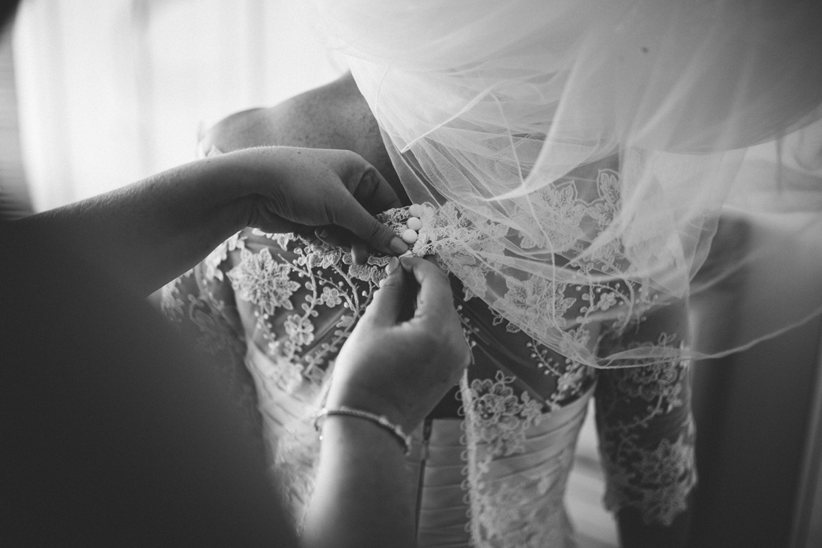doing up wedding dress