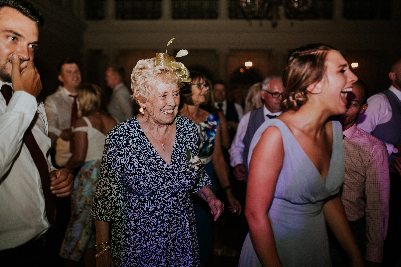 nan dancing